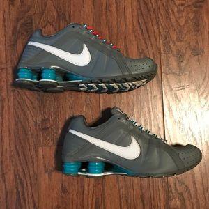 Nike Shox Junior Gray Teal White Women Sz 6 Shoes
